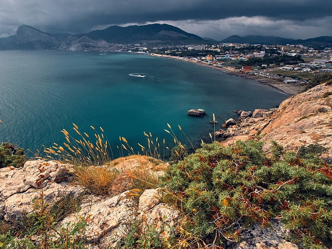 Вид на Судак, Крым
