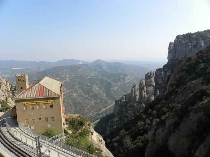 Горы и монастырь Монсеррат, Каталония