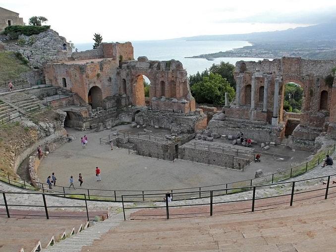 Греко-римский театр в Таормине