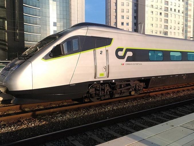 Поезд, Португалия