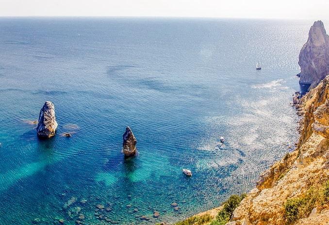 Море в Крыму, весна
