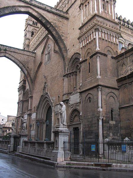 Западный фасад собора в Палермо
