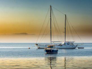 Турция, море и лодки