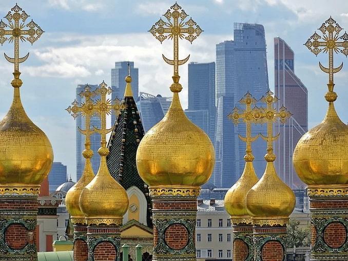 Москва, купола и башни