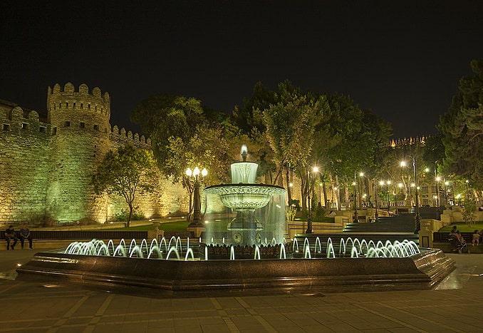 Губернаторский парк в Баку, фото AlixSaz