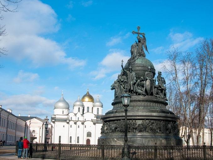 """Памятник """"Тысячелетие России"""" в Новгороде"""