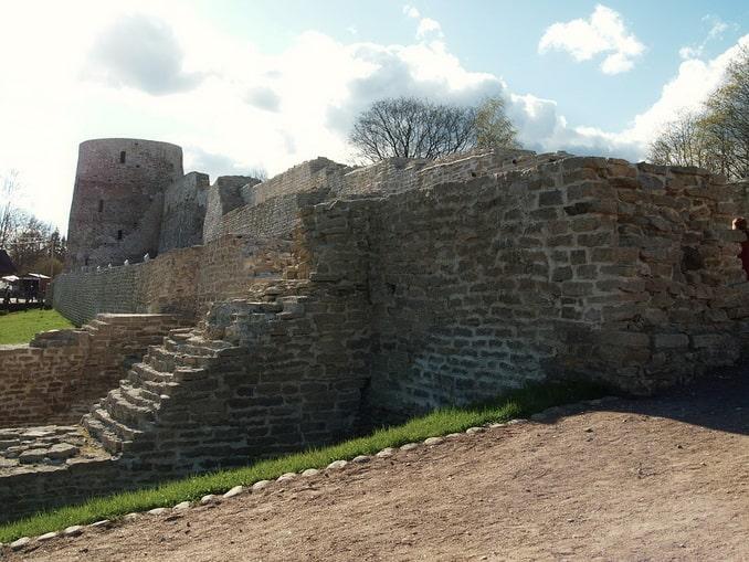 Крепость Изборска