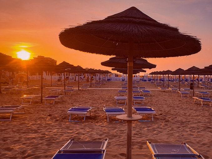 Пляж Римини, Италия