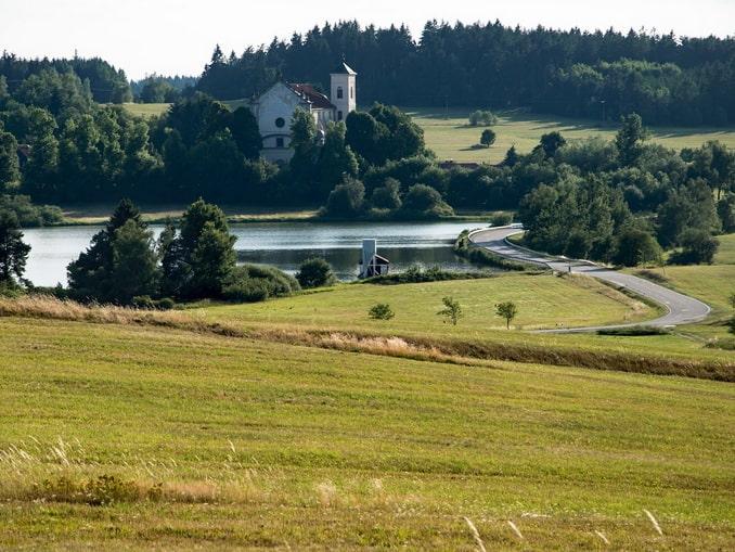 Сельская дорога в Чехии