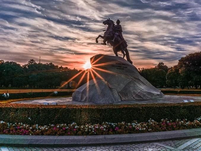 Белые ночи в Санкт-Петербурге - лучшее время для поездки