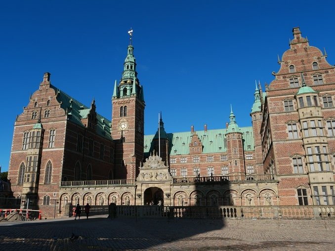 Замок Фредриксборг под Копенгагеном