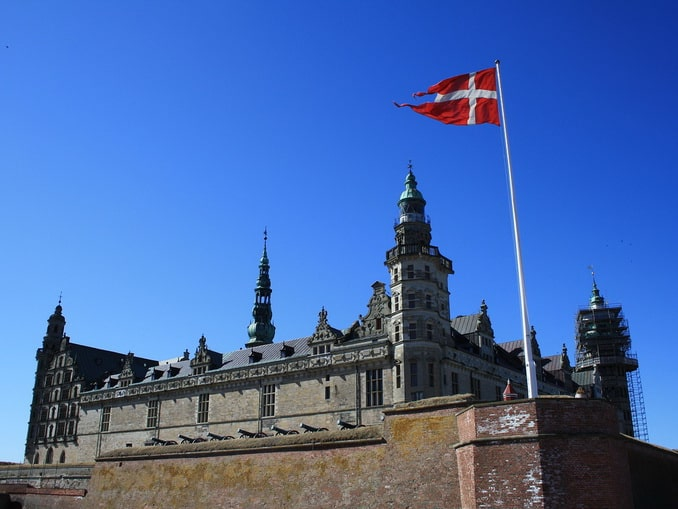 Замок Кронборг в Дании