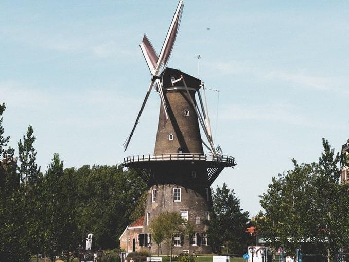 Мельница Molen De Valk в Лейдене - ее нужно увидеть