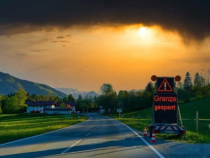 Граница Германии и Австрии блокирована