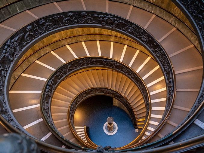 Музеи Ватикана, лестница
