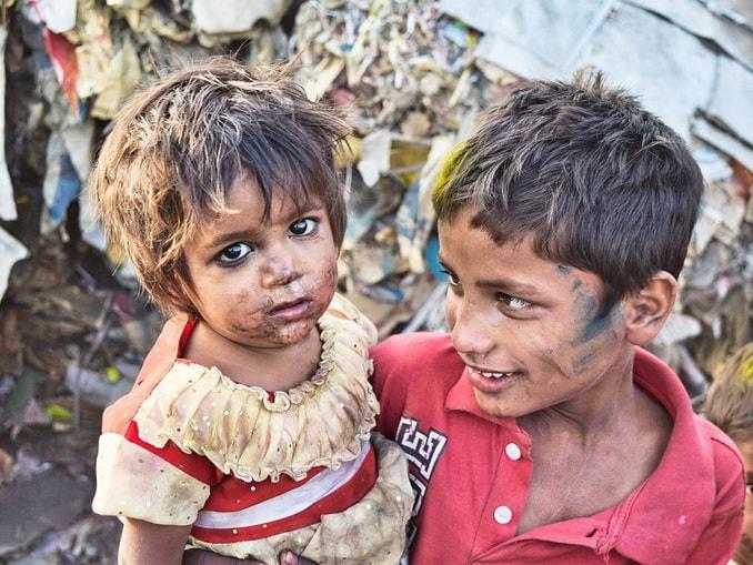Дети в трущобах, Индия