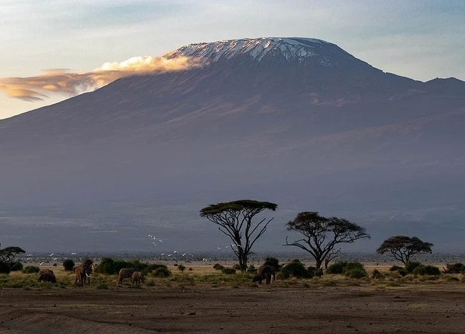 Вулкан Килиманджаро - ради него стоит лететь в Танзанию