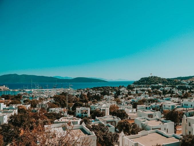 Вид на Бодрум в начале октября - ясная погода