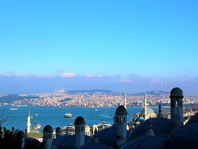 Вид на Босфор - где остановиться в Стамбуле?