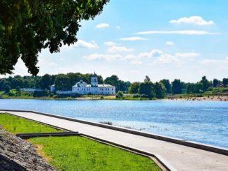 Псков: река Великая и Мирожский монастырь