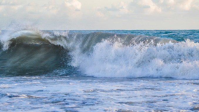 Море в Сочи, зима