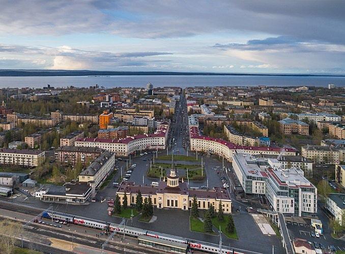 До Петрозаводска на машине из Москвы можно добраться за 12 часов, © A.Savin, WikiCommons