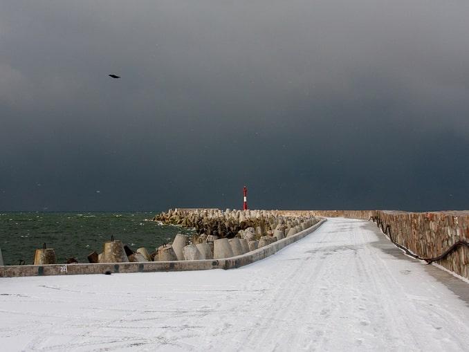 В Балтийск многие едут из Калининграда и в январе