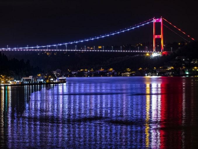 Стамбул ночной, Босфор
