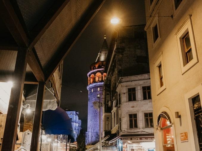 Стамбул ночью, Галатская башня