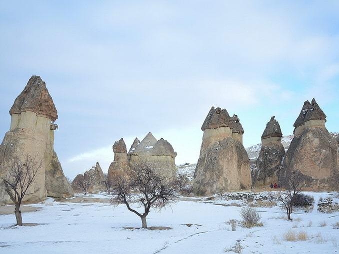 """Долина Пашабаг в Каппадокии зимой, """"камины фей"""""""