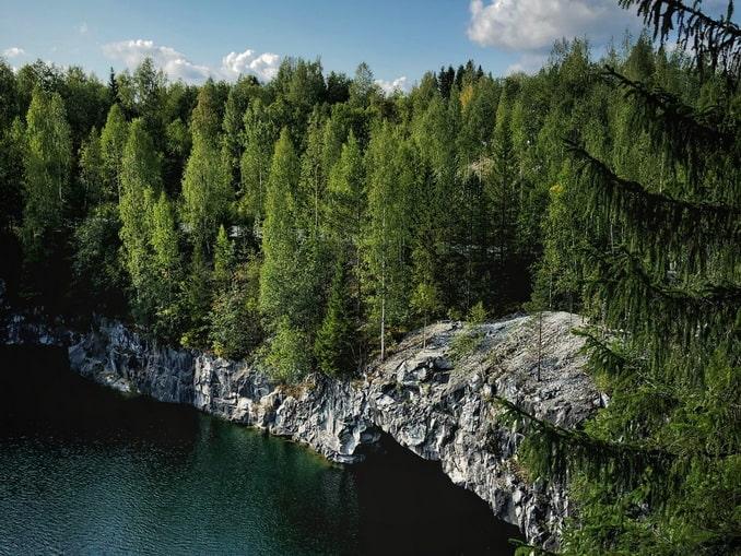 Рускеала - одна из главных достопримечательностей Карелии