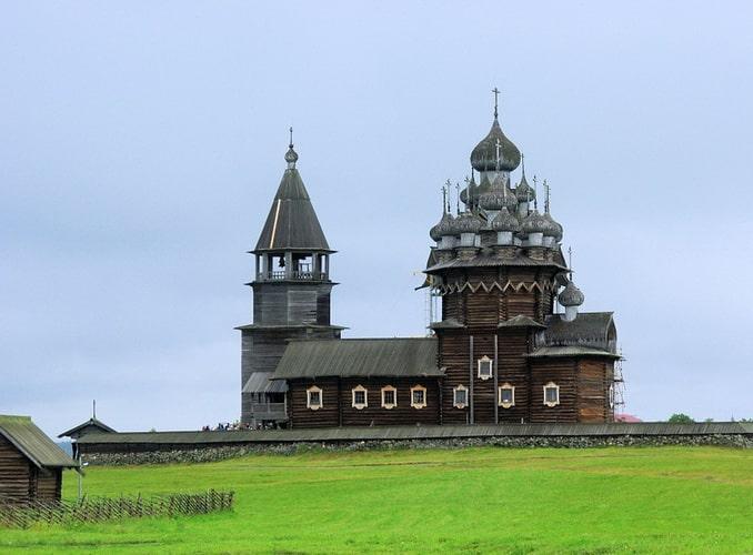 Заповедник Кижи - главное, что следует посмотреть в Петрозаводске