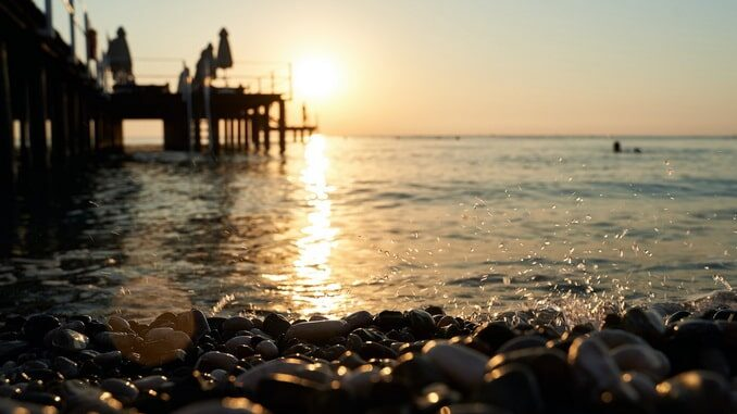Море в Анталии в январе и не думает замерзать