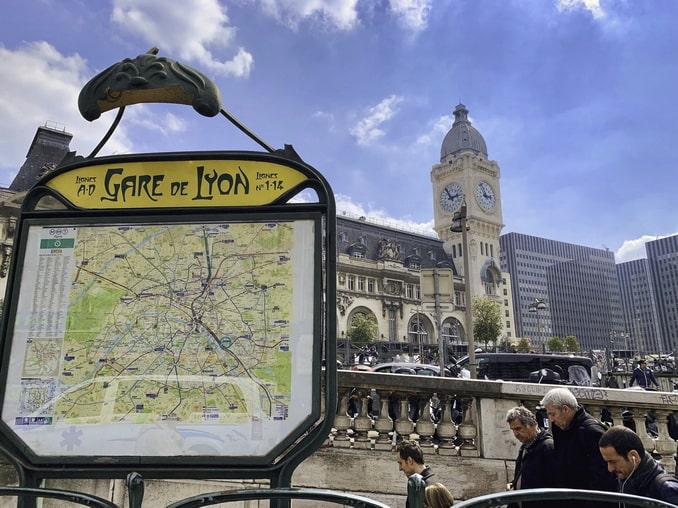 Лионский вокзал Парижа - отсюда отправляются поезда в Ниццу