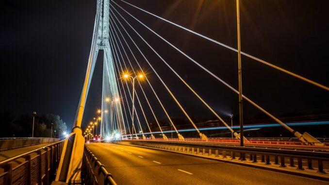 Мост в Варшаве - на машине в Польшу