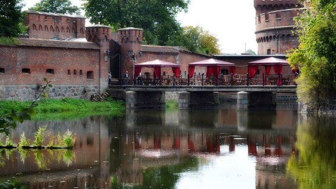Калининград в конце мая, вид на форт