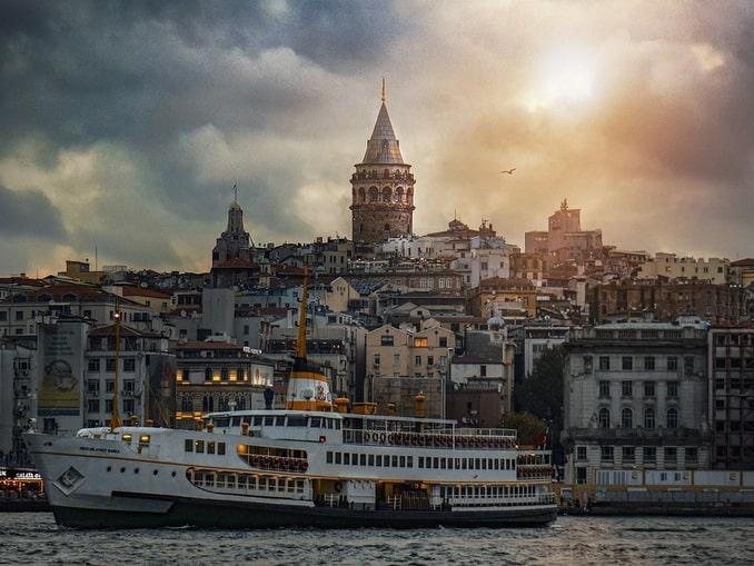 Галатская башня, Стамбул, весна