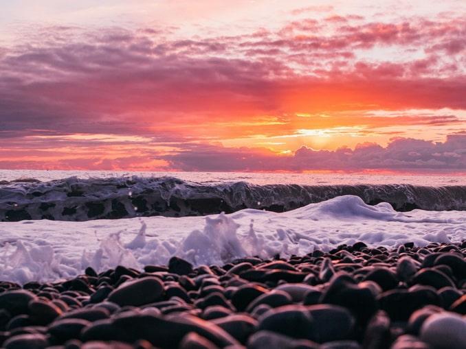 Море и пляж - Адлер в мае