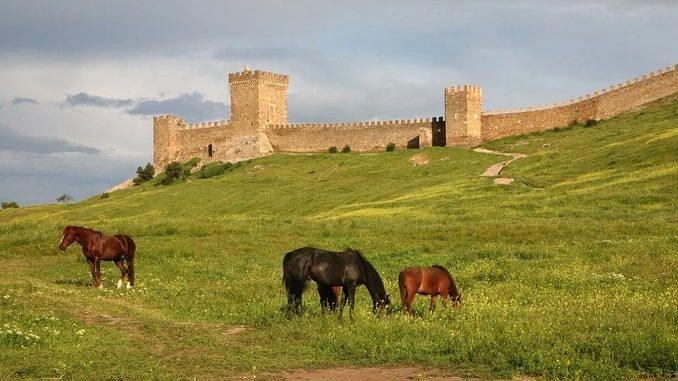 Генуэзскую крепость в Судаке нужно увидеть