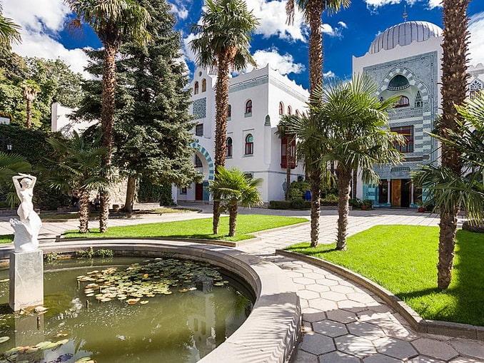Дворец Дюльбер в Крыму находится в Гаспре, фото Деревягін Ігор