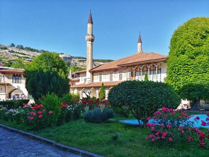 Ханский дворец в Крыму находится в Бахчисарае