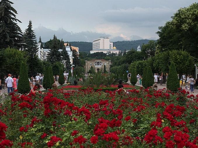 В Кисловодске и в августе бывает пасмурная погода, фото LilacBumblebee / Wikimedia Commons