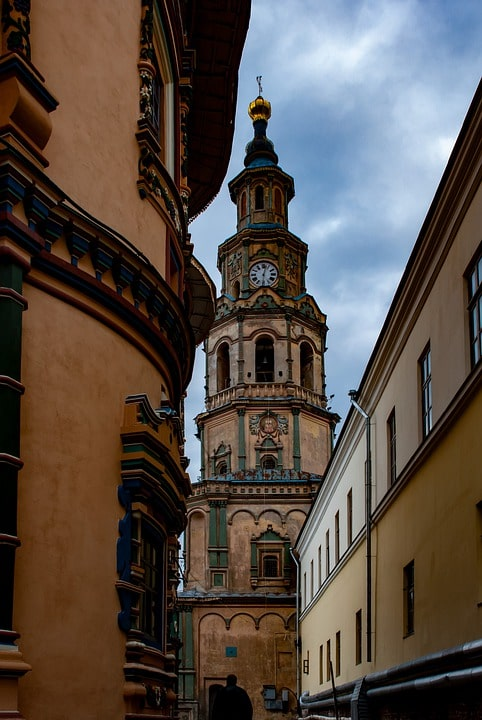 Колокольня Богоявленского собора в Казани, июнь