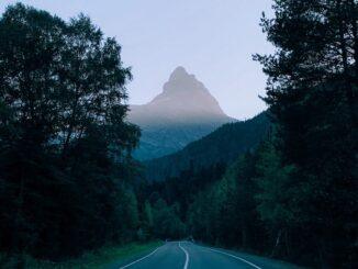 Дорога в Домбай - ехать ли летом?