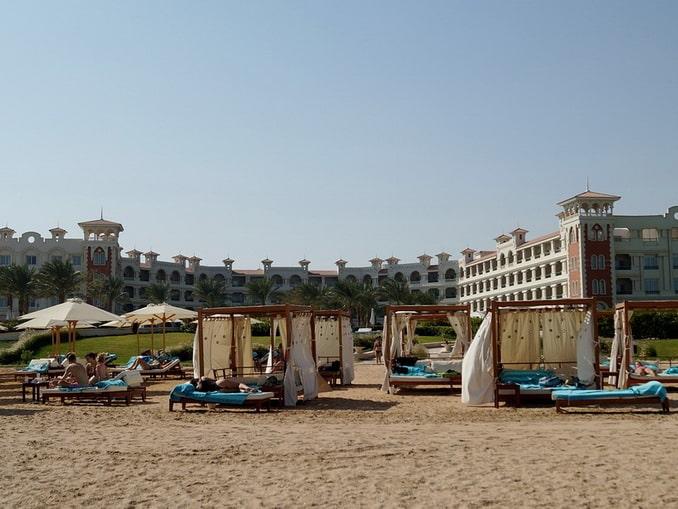 На пляже в Хургаде, Египет, начало сентября