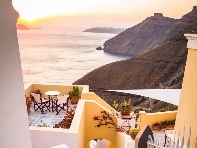 Закат на Санторини в Греции