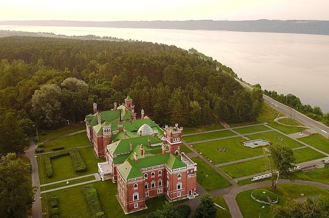Замок Шереметева - одна из жемчужин Нижегородской области, OldCat / Wikimedia Commons