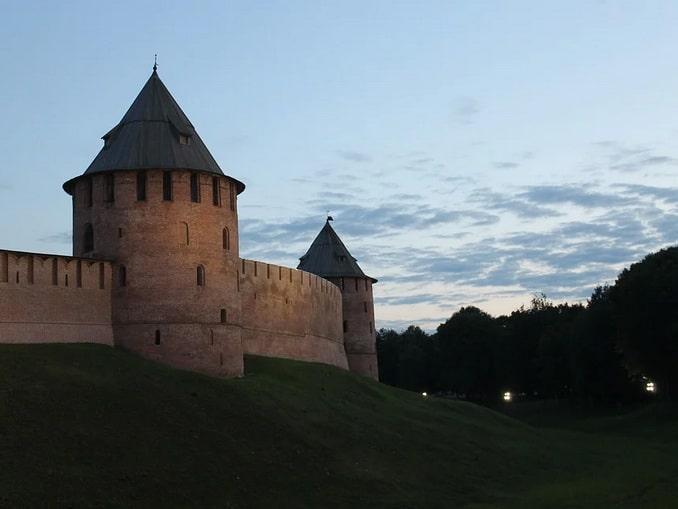 Из Москвы в Великий Новгород на машине: расстояние и дороги