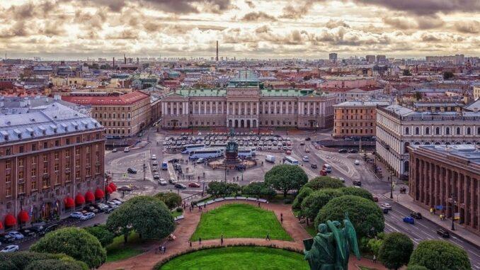 Санкт-Петербург - куда можно сходить с детьми в центре?