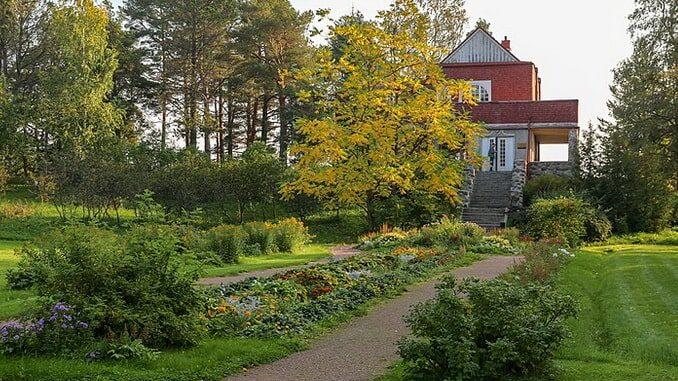 Вилла Шмидта в Сортавале - сентябрьская Карелия прекрасна, фото Ninaras / Wikimedia Commons